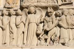 Mural de Notre Dame retrata o dualismo cósmico e psicológico