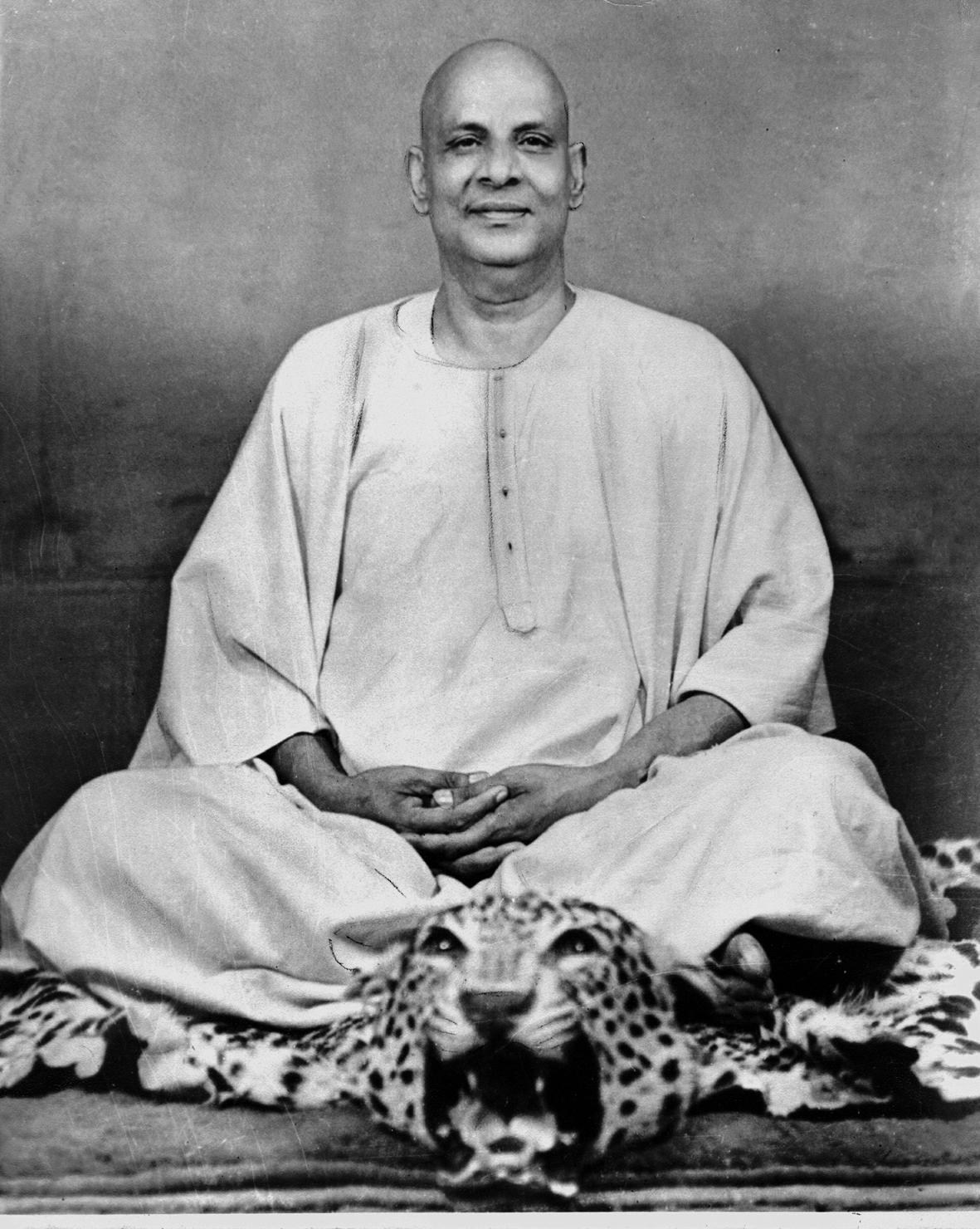 Grandes Mestres da Fraternidade Branca sempre utilizaram os Animais de Poder em suas práticas esotéricas. Em destaque, o Swami Sivananda